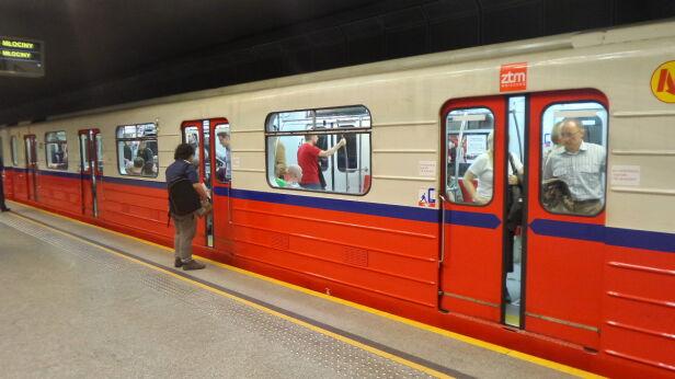 Utrudnienia w metrze (zdjęcie ilustracyjne) Mateusz Szmleter /tvnwarszawa.pl