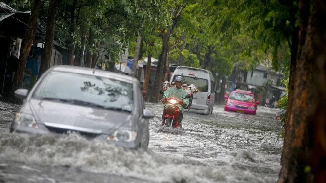 7 ofiar śmiertelnych intensywnych opadów deszczu w Tajlandii