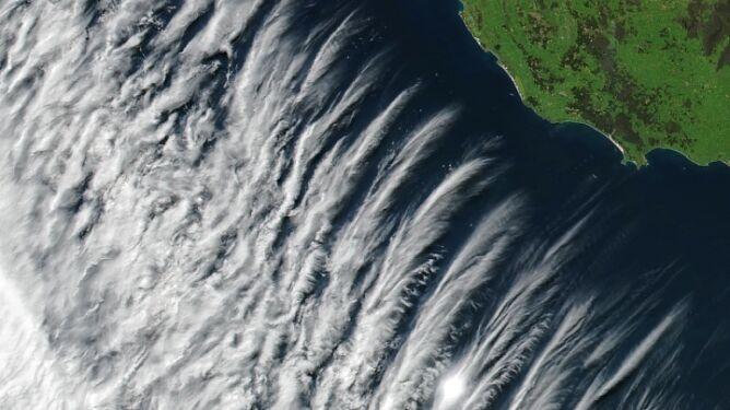 Nietuzinkowe chmury pojawiły się nad Australią