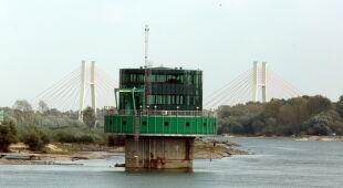 Wody w Wiśle jest rekordowo mało (PAP/Tomasz Gzell)