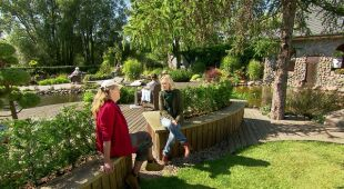 Śląski ogród kwiatowy i wodny park przy hotelu (odc. 502)
